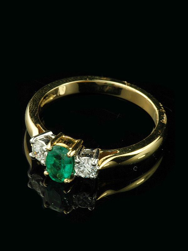 5fa8adbed71ad 18ct yellow gold Emerald and Diamond cluster ring
