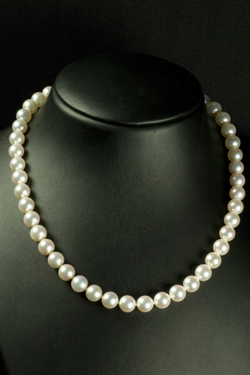 69458-cultured-pearl-necklace-001