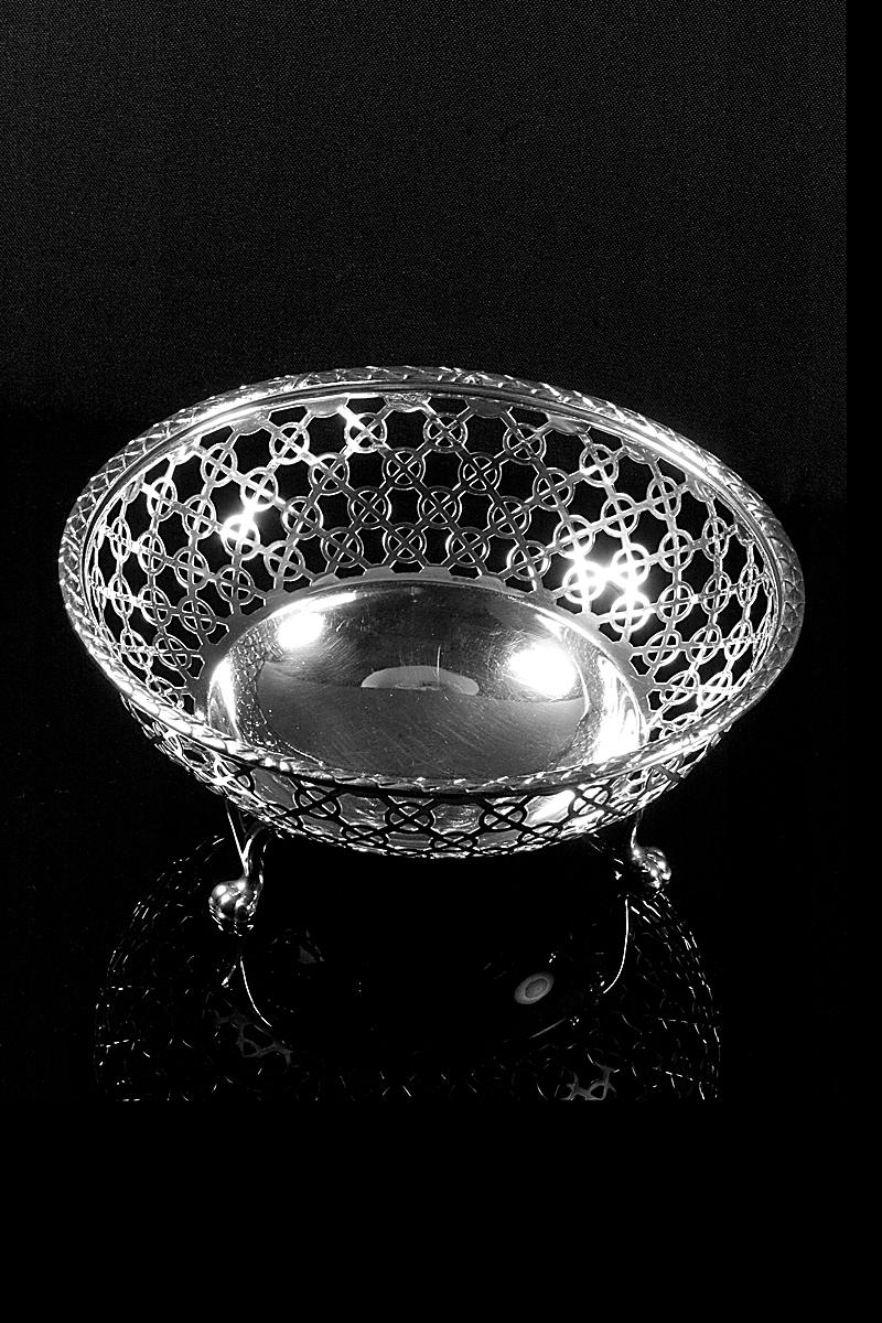 h147-pierced-bowl-001