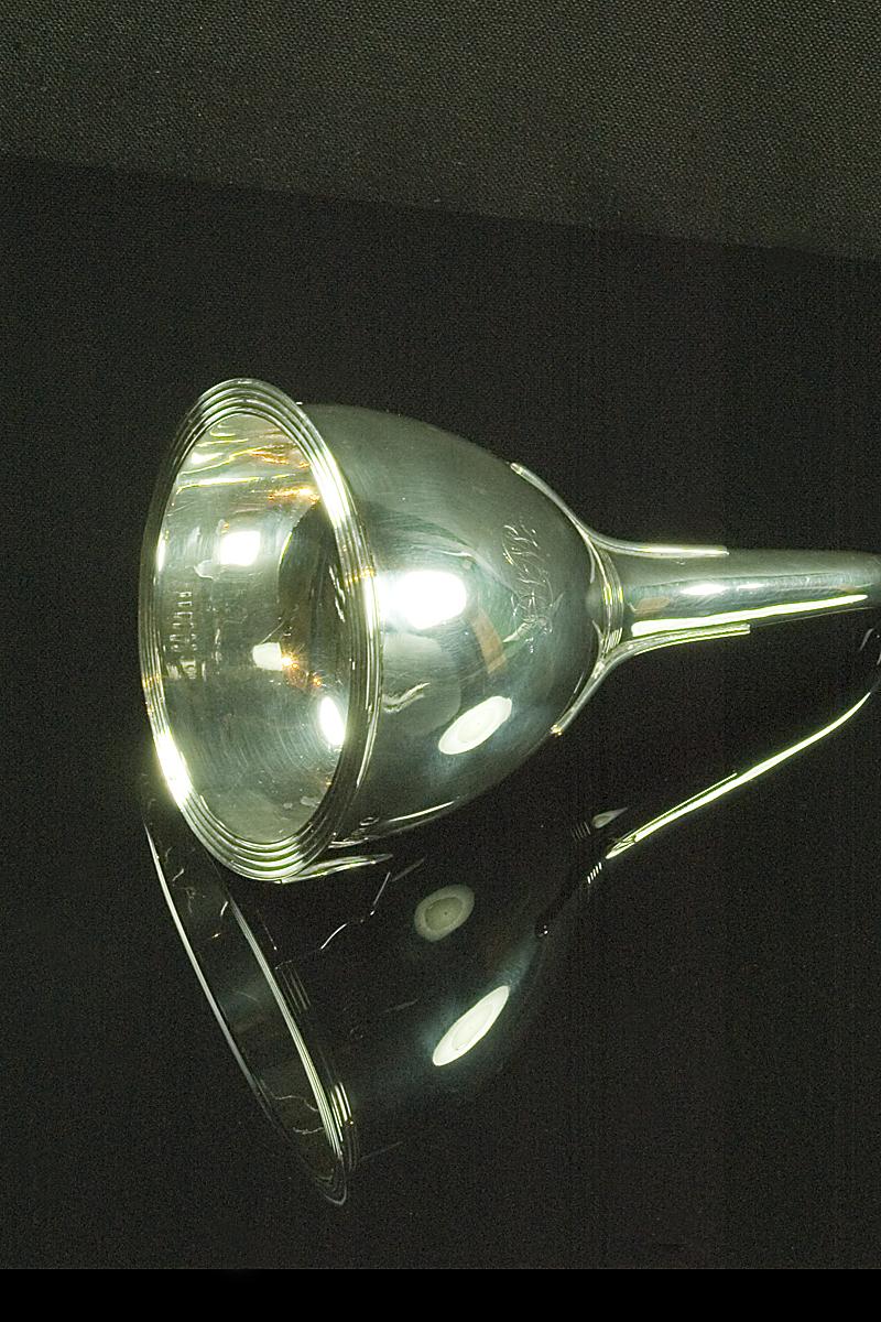 j145-silver-wine-funnel-001