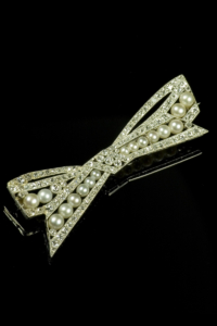 ns16-pearl-and-diamond-deco-brooch-001