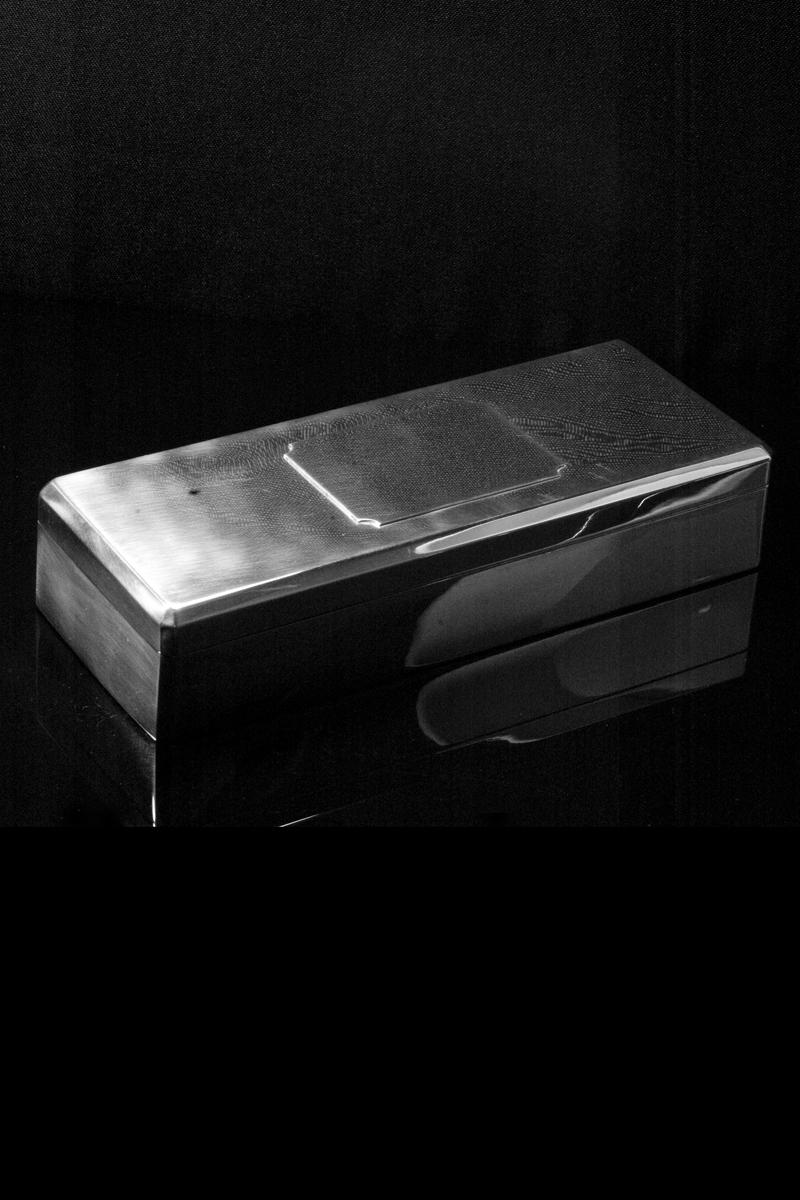 ns2-cigarette-box-001