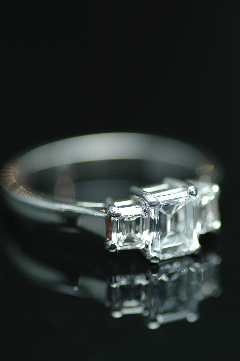 43688 diamond 3 stone ring 3