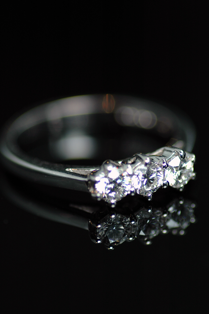67349 3 stone diamond ring 1