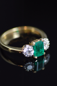 71629 emerald diamond ring 3