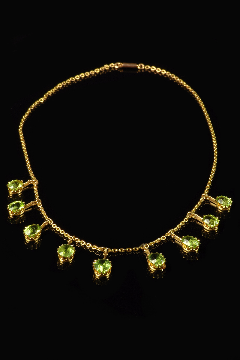 ad9dded8b 15ct yellow gold Victorian drop peridot necklet | Goodwins Antiques