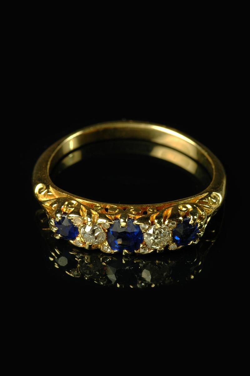 sapphire diamond 5 stone ring1