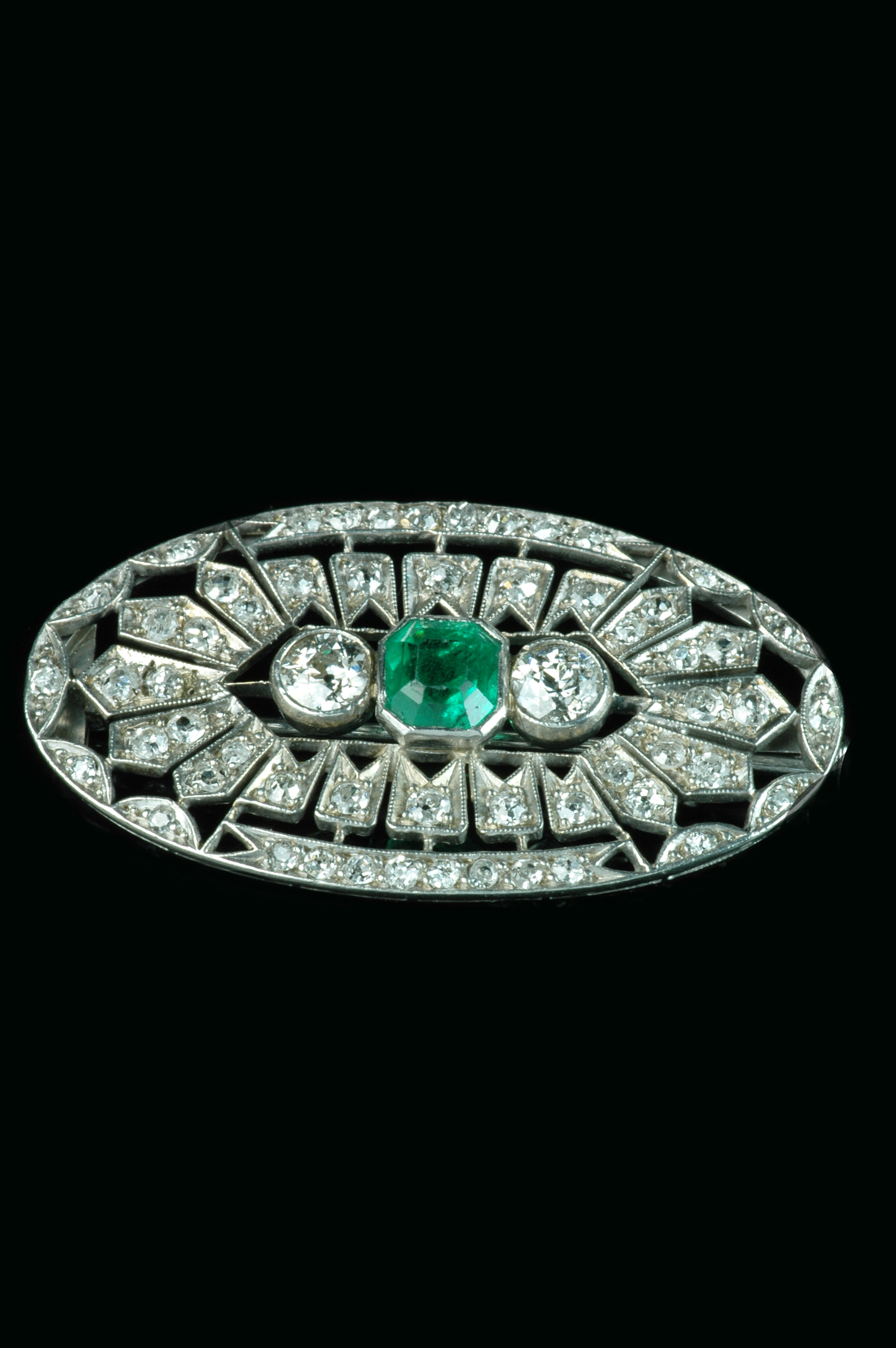 emerald-diamond-brooch1
