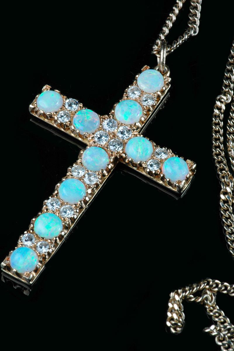 opal-diamond-cross3