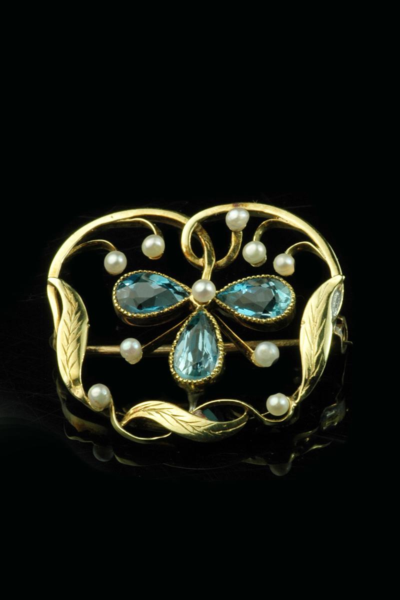 aqua pearl brooch1