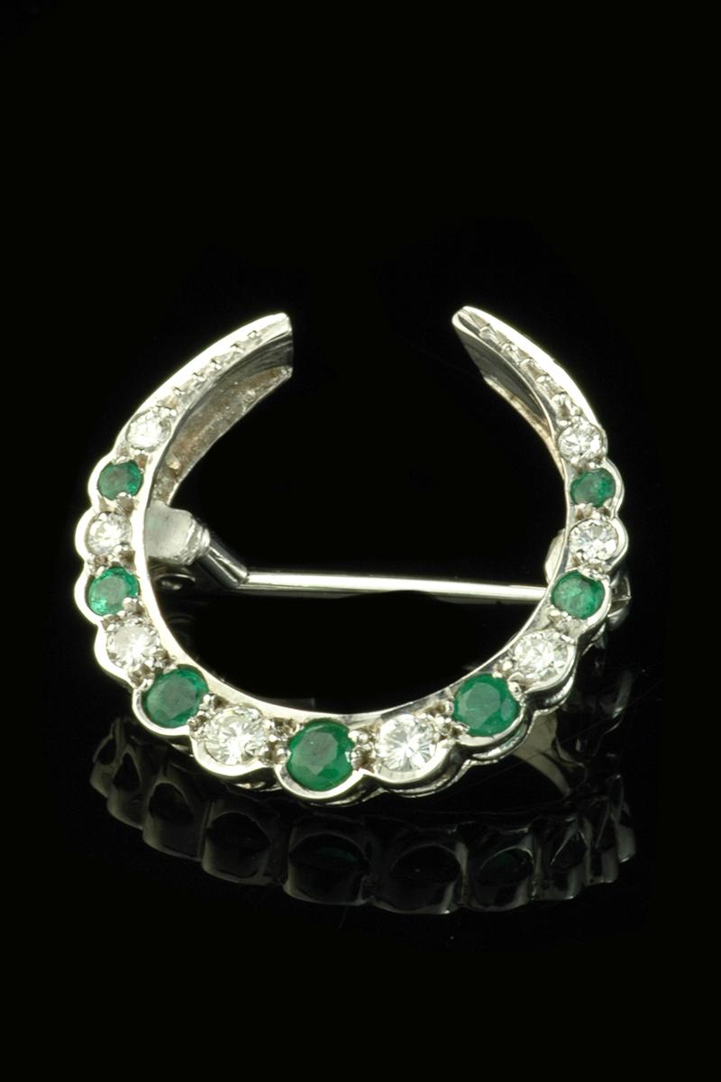 emerald and diamond brooch3