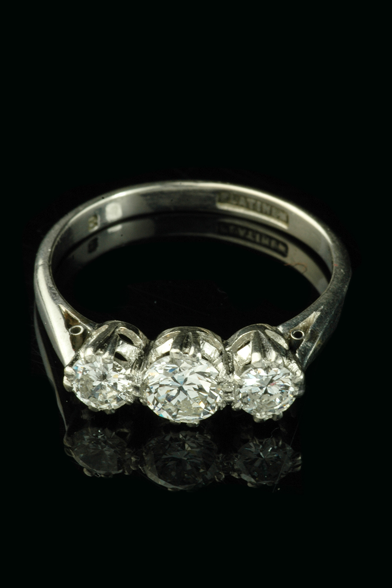 3 stone diamond ring3