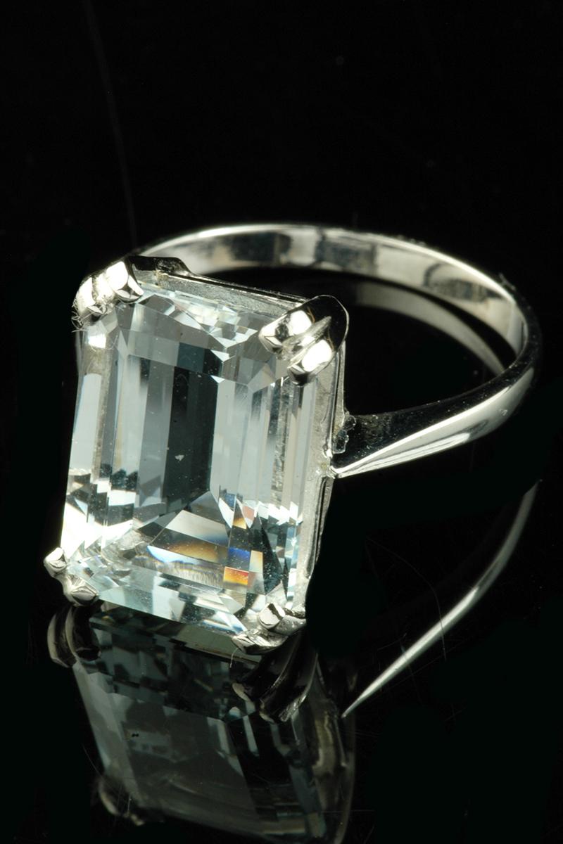 large aquamrine single stone ring2
