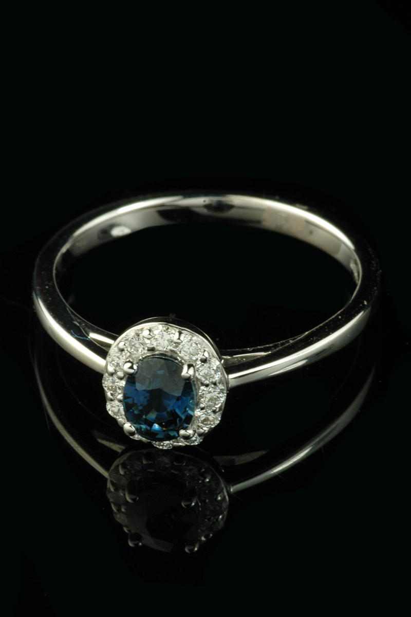 small sapphire diamond cluster ring1